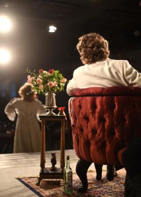 Bild bakifrån kulisserna från The Bear på Kronhusteatern