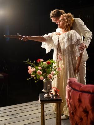 Dramatik i The Bear av Opera Estrad på Kronhusteatern