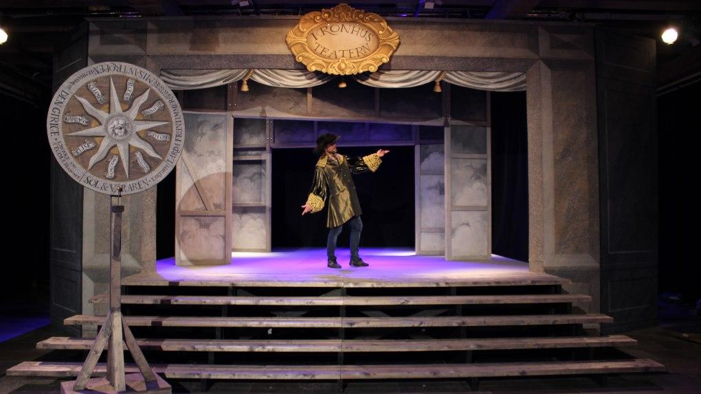 Kronhusteaterns direktör och scen